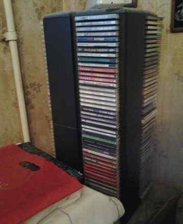 Стойка(вертушка) для 200 компакт дисков