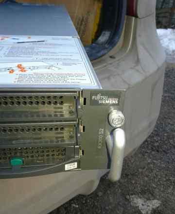 Сервер Fujitsu-Siemens primergy RX300 S2