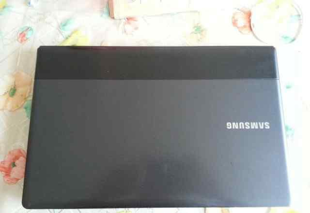 Ноутбук Samsung 300E5C