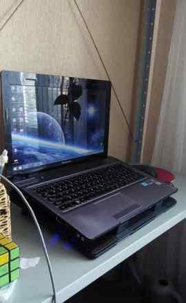 Ноутбук Lenovo ideapad Y570 + подставка