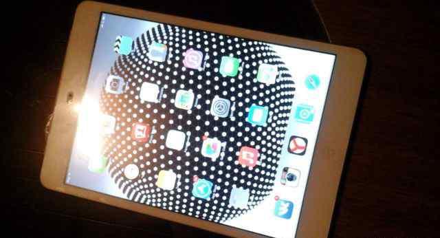 Обменяю iPad mini на iPhone 5