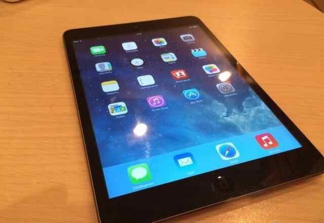 Apple iPad mini 16Gb Wi-Fi GSM + Чехол + зарядка