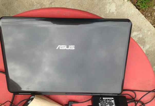 2 Ноутбука Asus Б/У каждый по 15 000