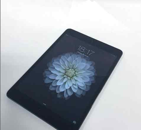 iPad mini 2 (Retina, Wi-Fi + Cellular)