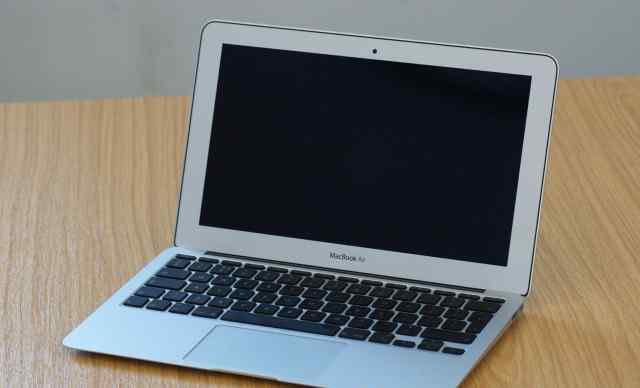 Macbook air 11 (торг уместен)