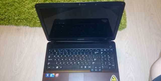Ноутбук Samsung r540 i5 4 ядра