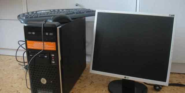 Компьютер (системный блок и ЖК монитор)