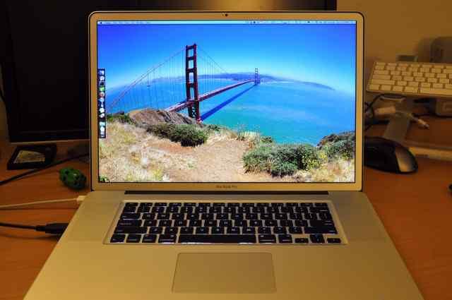 MacBook Pro 17 топовый матовый для дизайнеров