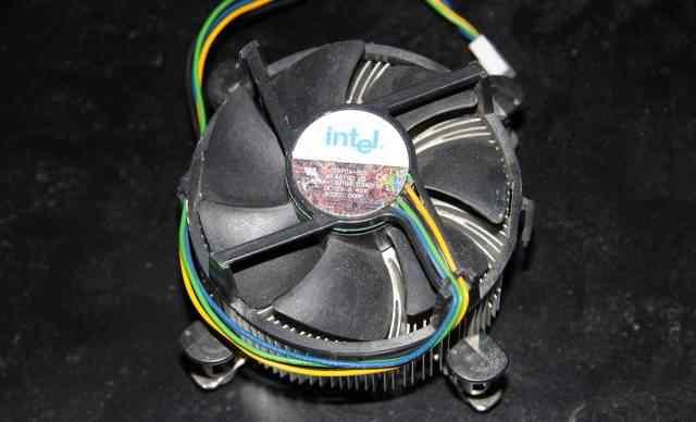 Intel Core 2 Duo E8400 (3GHz, 6Mb, 1333MHz)