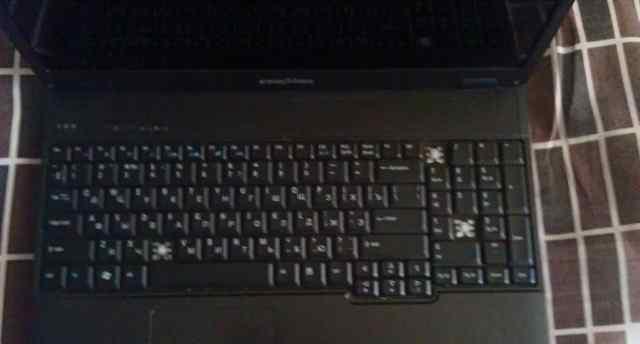 ноутбук (на запчасти ) eMachines E528-T353