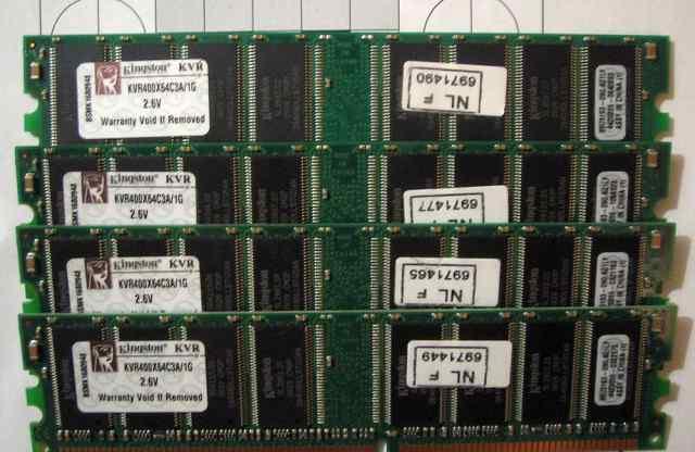Оперативная память Kingston KVR400X64C3A/1G 4шт