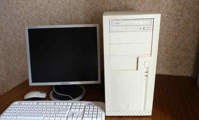 Системный блок с монитором и ибп