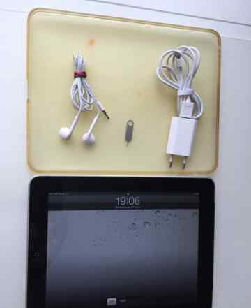 Apple iPad 1 32Gb Wi-Fi 3 G