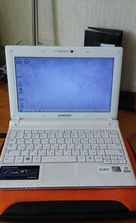 Нетбук Samsung N150 Plus, белый