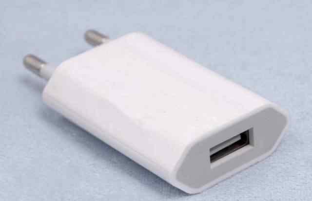 Плоский переходник для Apple. Европейская розетка