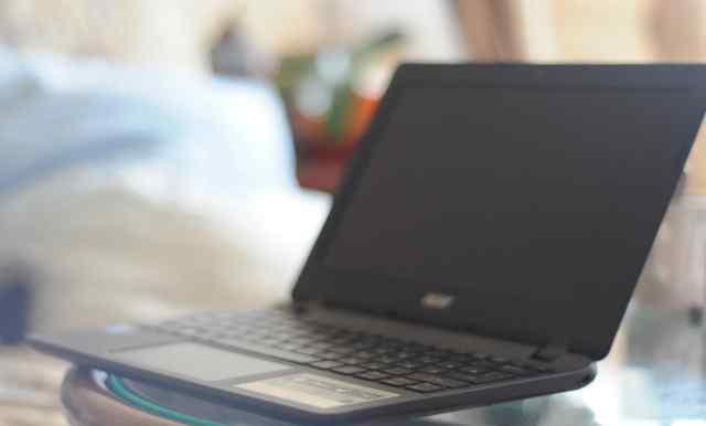 Ноутбук Acer Aspire E 11
